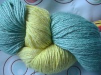 Daffodil yarn